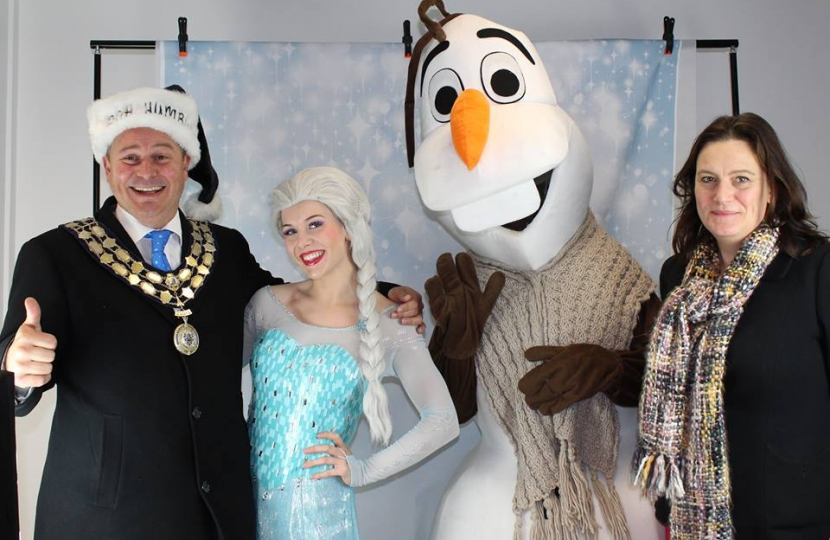Rebecca and the Mayor with Else and Olaf